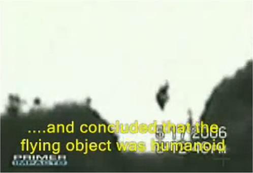 """Résultat de recherche d'images pour """"Humanoïde volant à une montagne"""""""